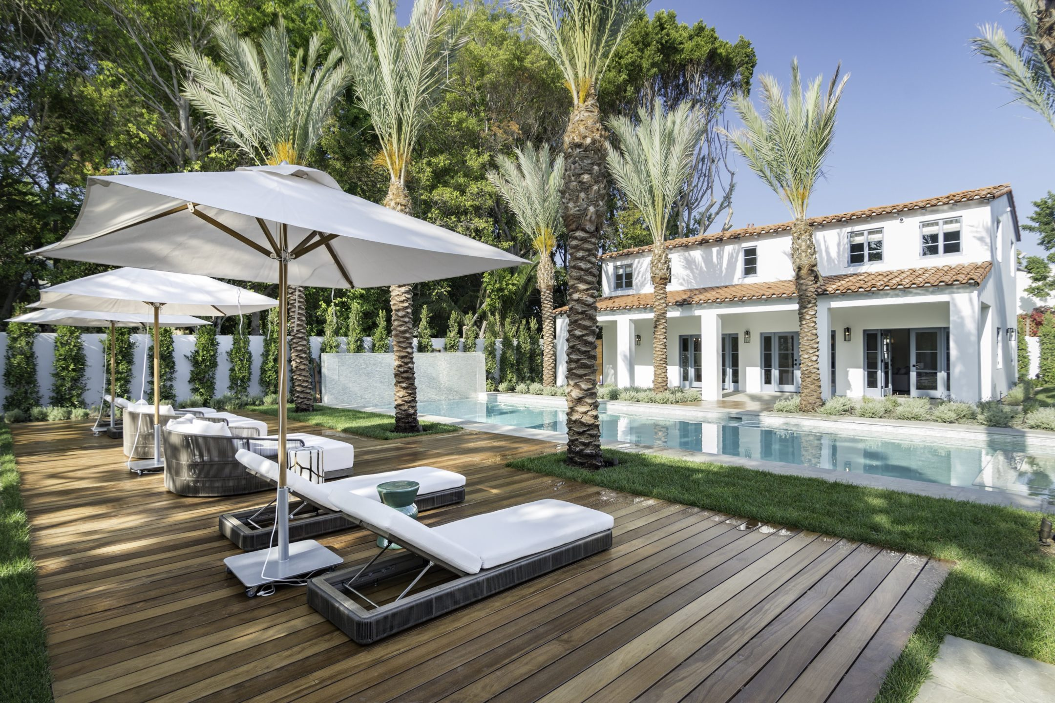 studio-william-hefner-Casa-Giannini__Ext__Back__21__Pool;_Patio;_Guest_House__wide__(CB)