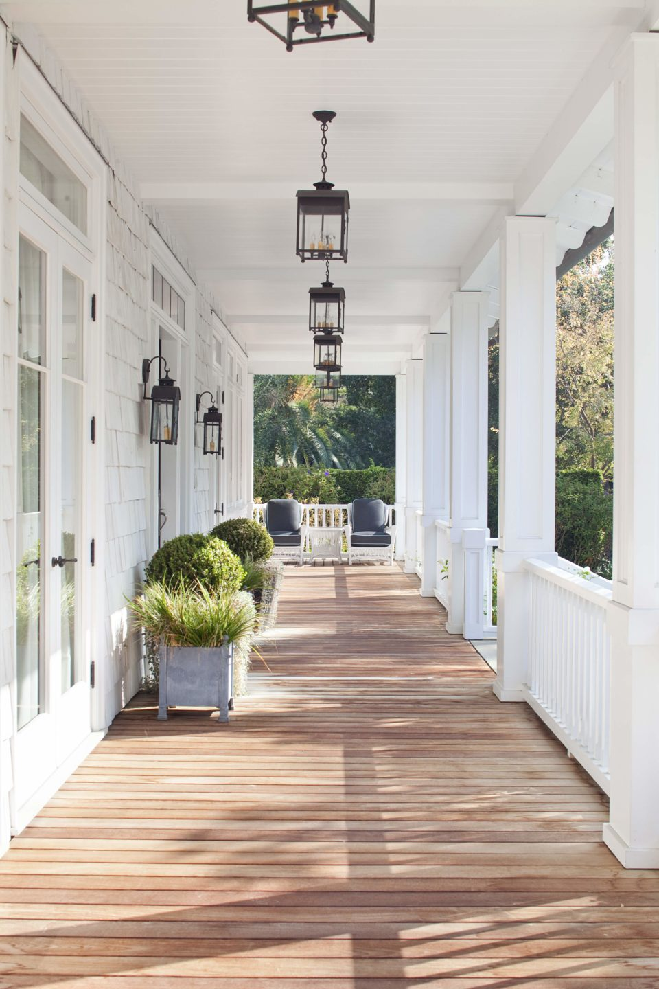 studio-william-hefner-Mandeville Canyon__Ext__Front__12__Porch