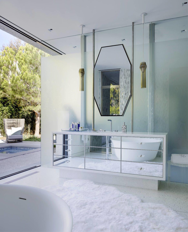 studio-william-hefner-Sen__Bathroom__11__Hers__Sink__(RP)