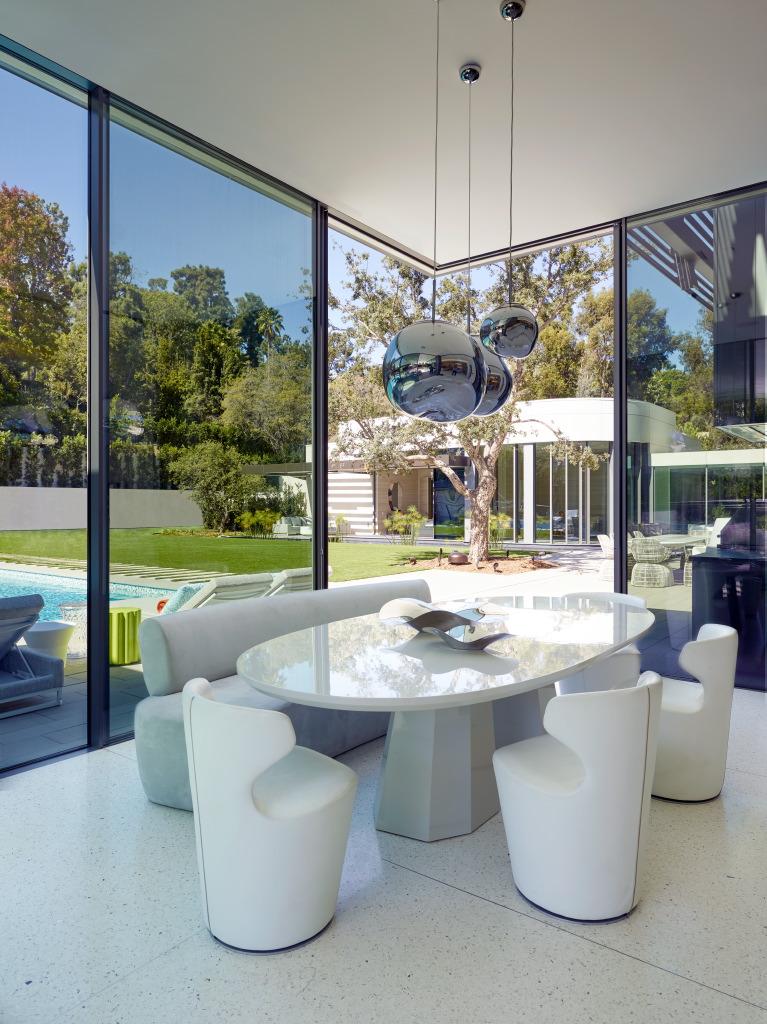 Studio_William_Hefner_products_Gable_dining_table_Beverly_Dr_Hefner