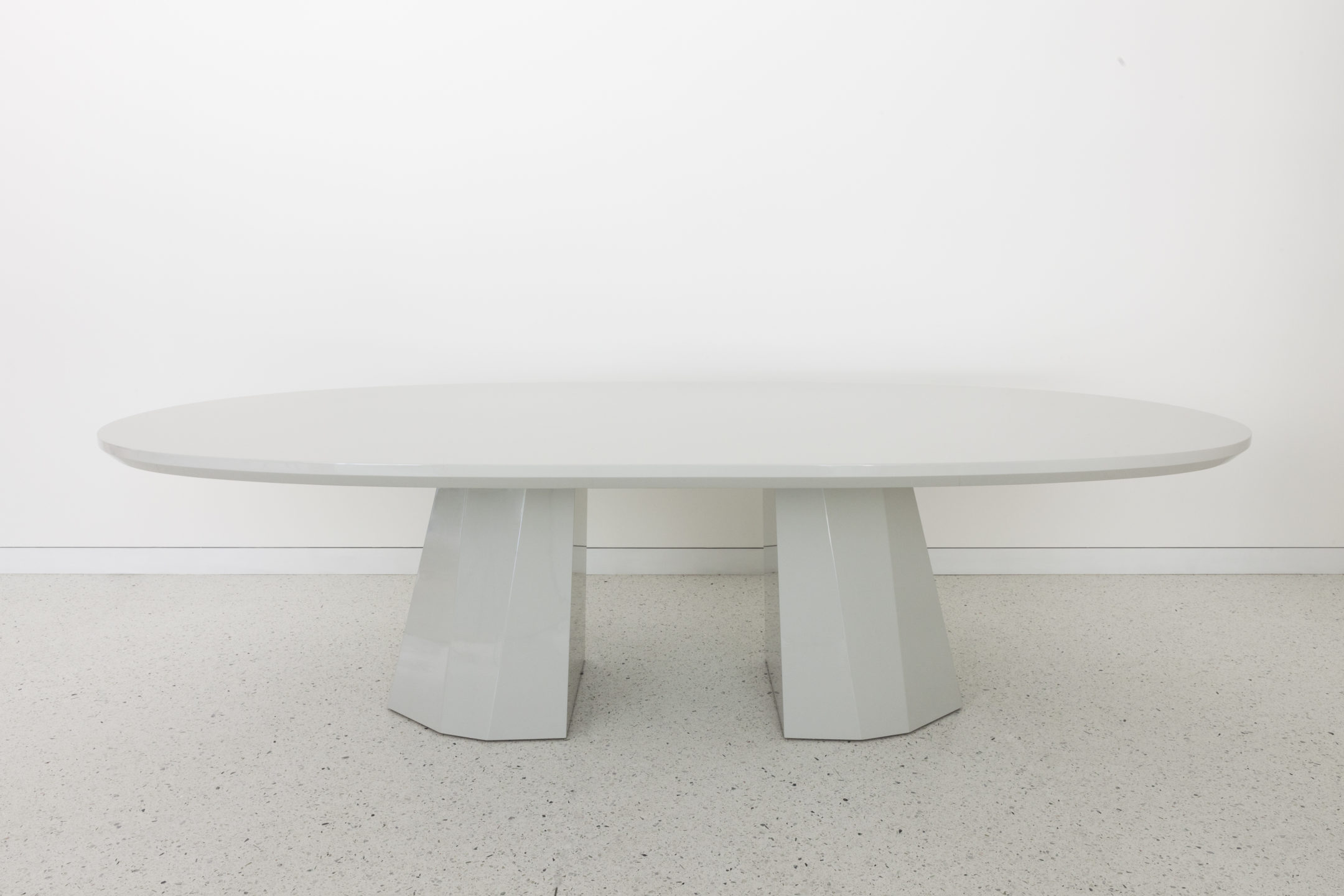 Studio_William_Hefner_products_Gable_dining_table_Donze_Breakfast Nook_Table_03-Edit