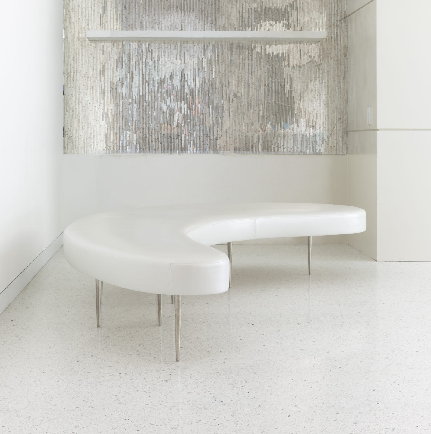 Studio_William_Hefner_products_Lune_bench_Donze__Curved_Bench_01-Edit copy