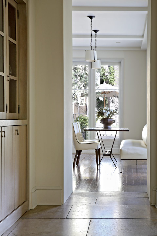 Studio_William_Hefner_products_bay_banquette_McCadden__Kitchen__10__Table_through_Hall