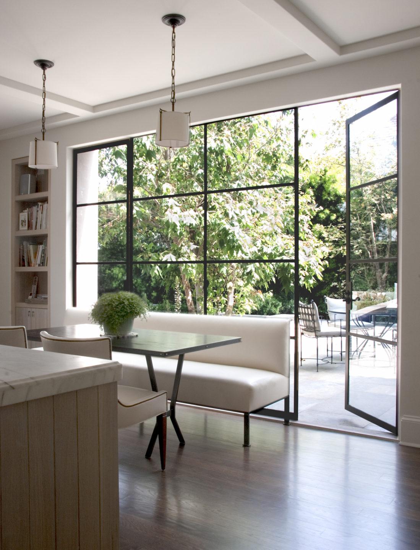 Studio_William_Hefner_products_bay_banquette_kitchen_to_patio