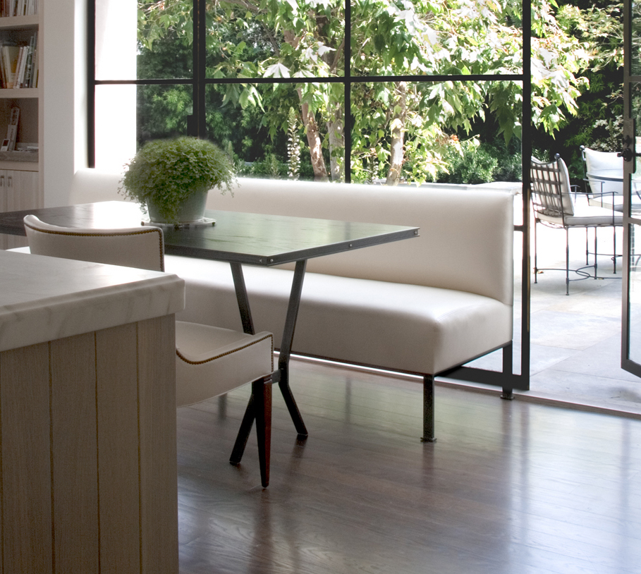 Studio_William_Hefner_products_bay_banquette_kitchen_to_patio cropped