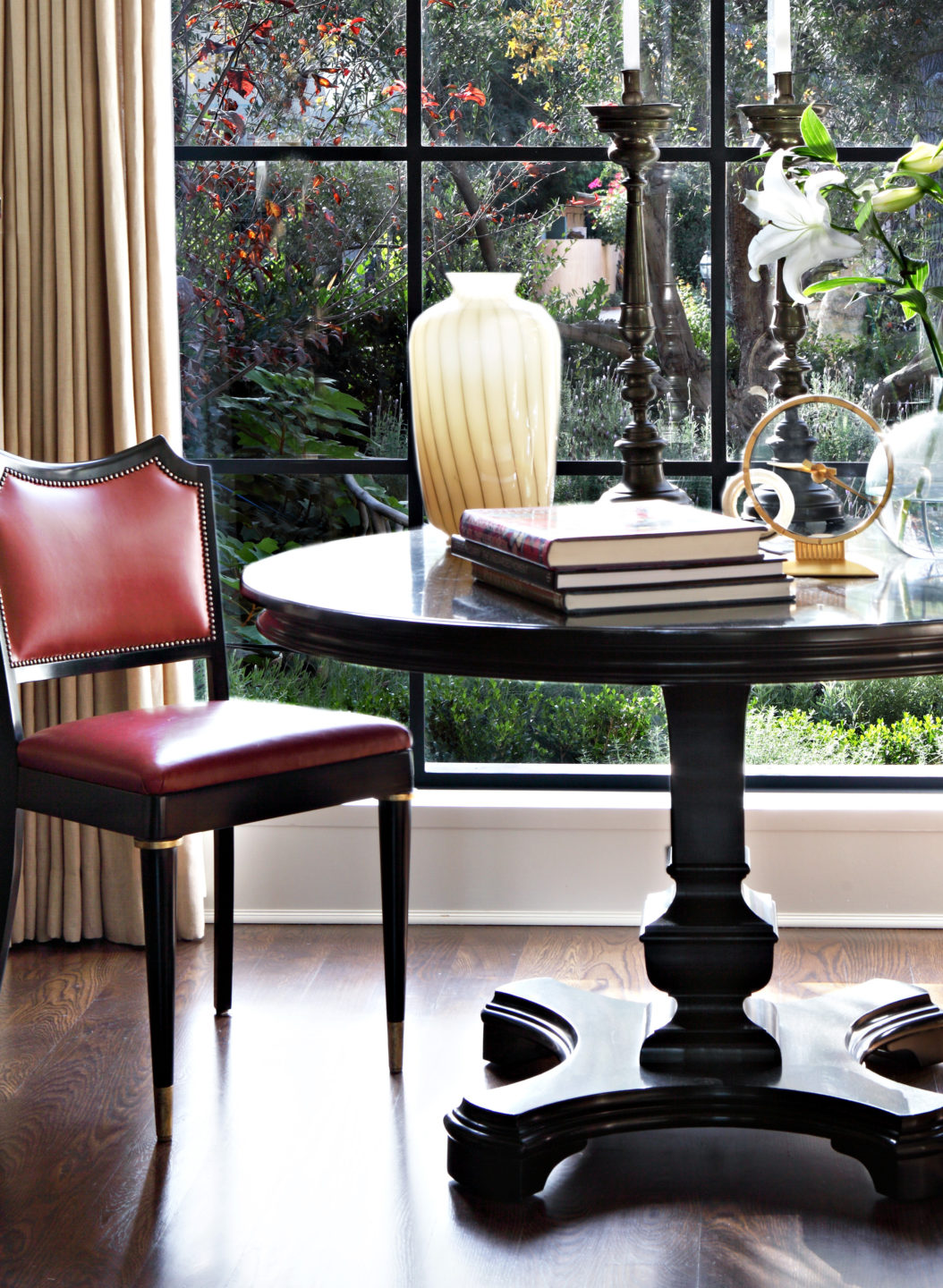 Studio_William_Hefner_products_francesco_chair_McCadden__Francesco_Chairs_table_red cropped