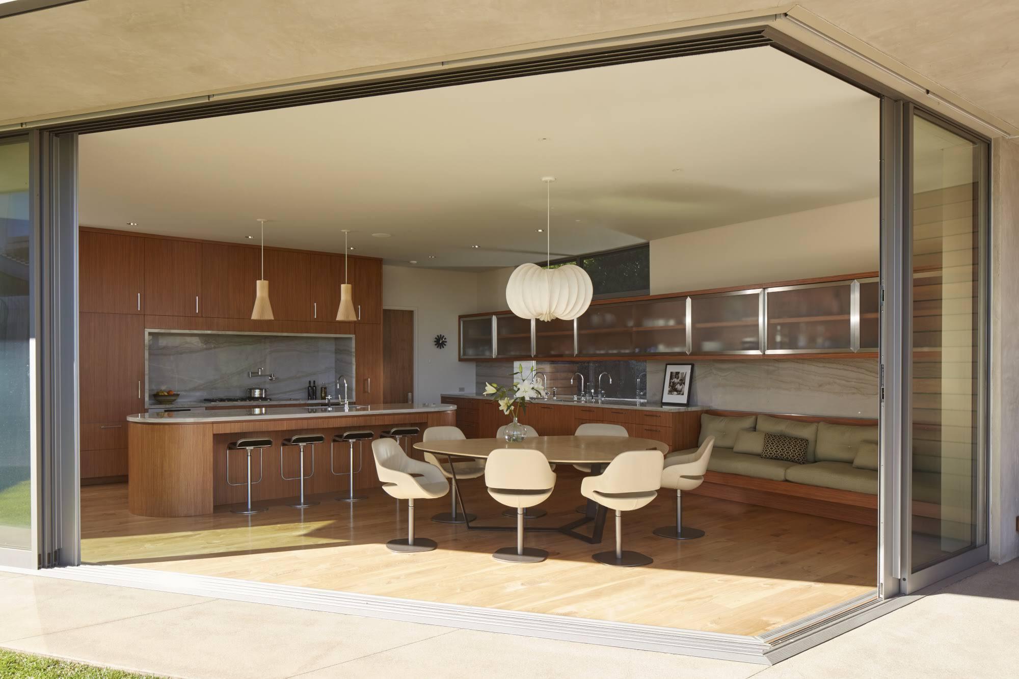studio-william-hefner-chautauqua_Mandabach__Ext__Back__034A__Patio;__Kitchen_view_F__(RD)