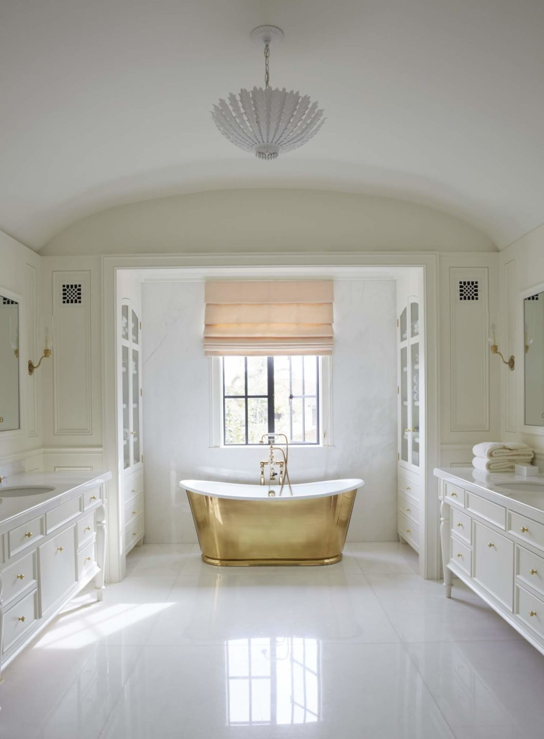 William_Hefner_casa_del_mar_projects_Bland__Bath__02__Master